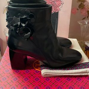 Tory Burch Blossom 70mm calf leather bootie.FIRM